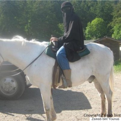 niqab horseback riding